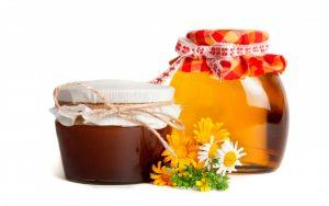 гречаный мед и разнотравье в банках
