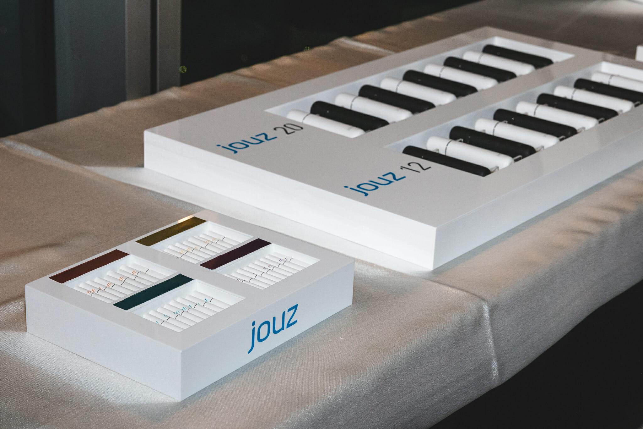 jouz 20 новое устройство с системой нагревания табака и табачными стиками от IQOS