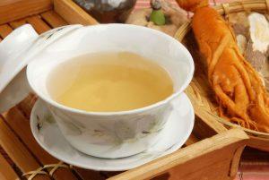 чай, приготовленный на основе женьшеня