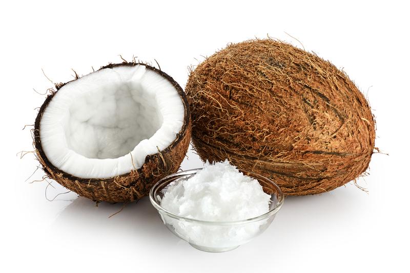 Кокосовое масло помогает от секущихся кончиков