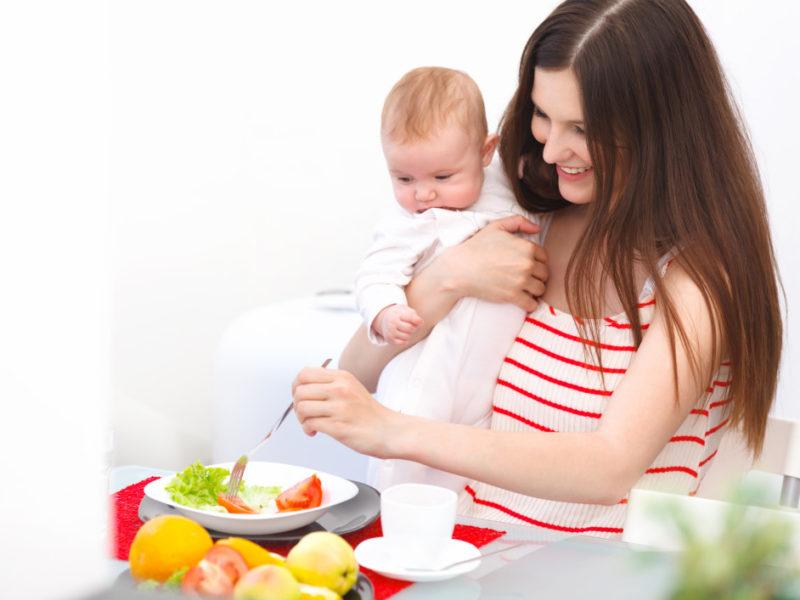 Рацион кормящей матери: что есть, чтобы ребенок спал спокойно