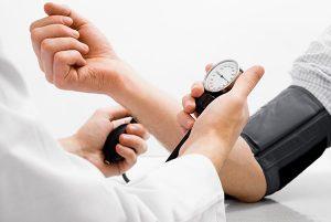 измеряем артериальное давление