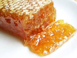 пчелиный воск с медом