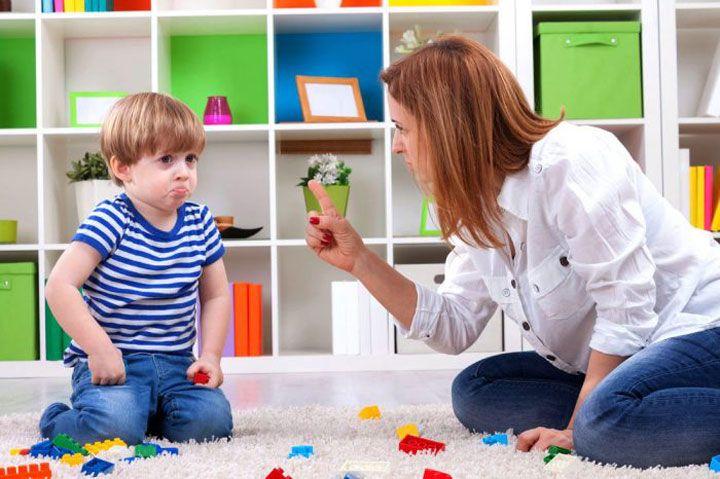 Как проявляется и как преодолеть родителям кризис 3 лет у ребенка?
