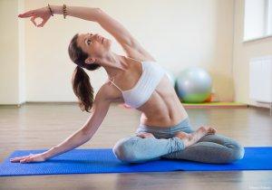 Заменить упражнения с напряжением мышц брюшины