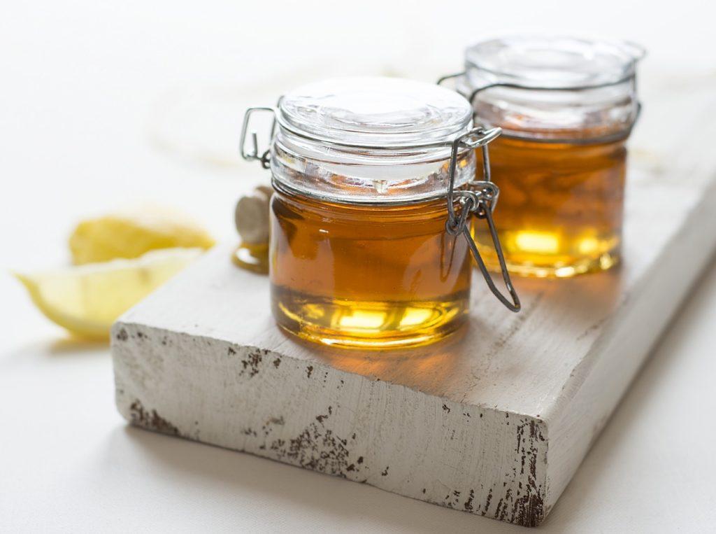 Маска с кокосовым маслом и медом для волос
