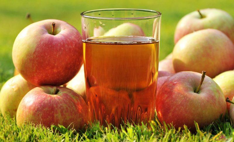 Яблочный сок – народное средство от повышенного давления