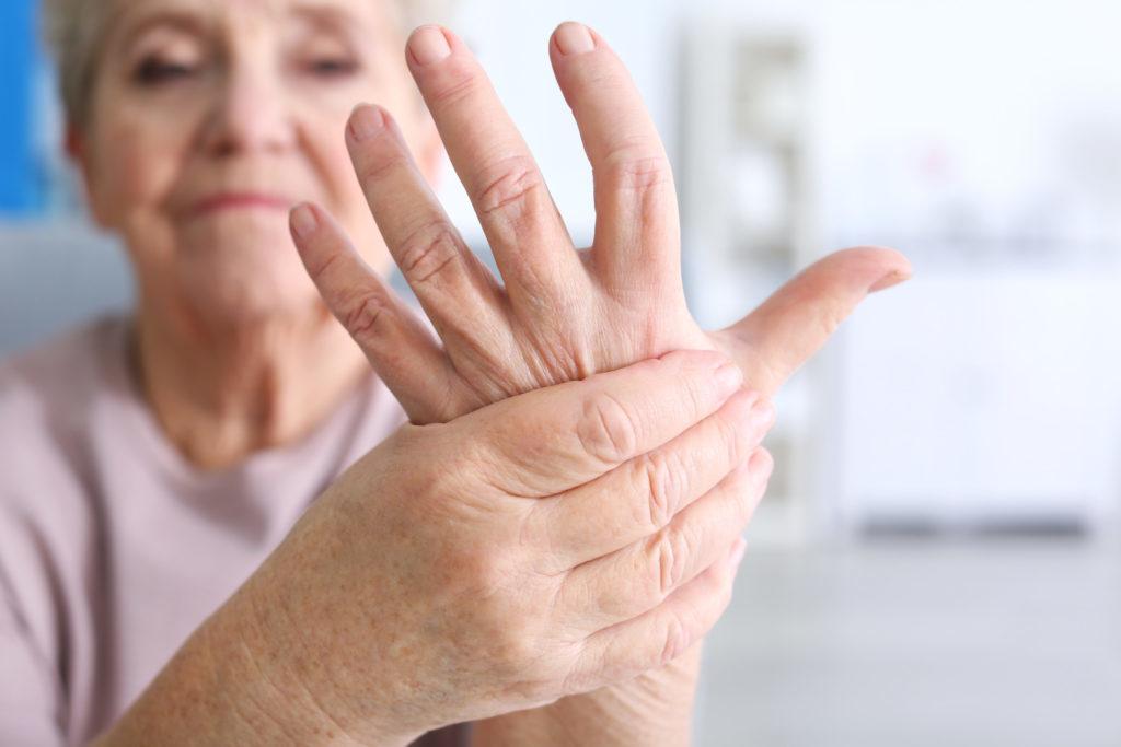 Что такое тремор рук причины и лечение дрожания конечностей